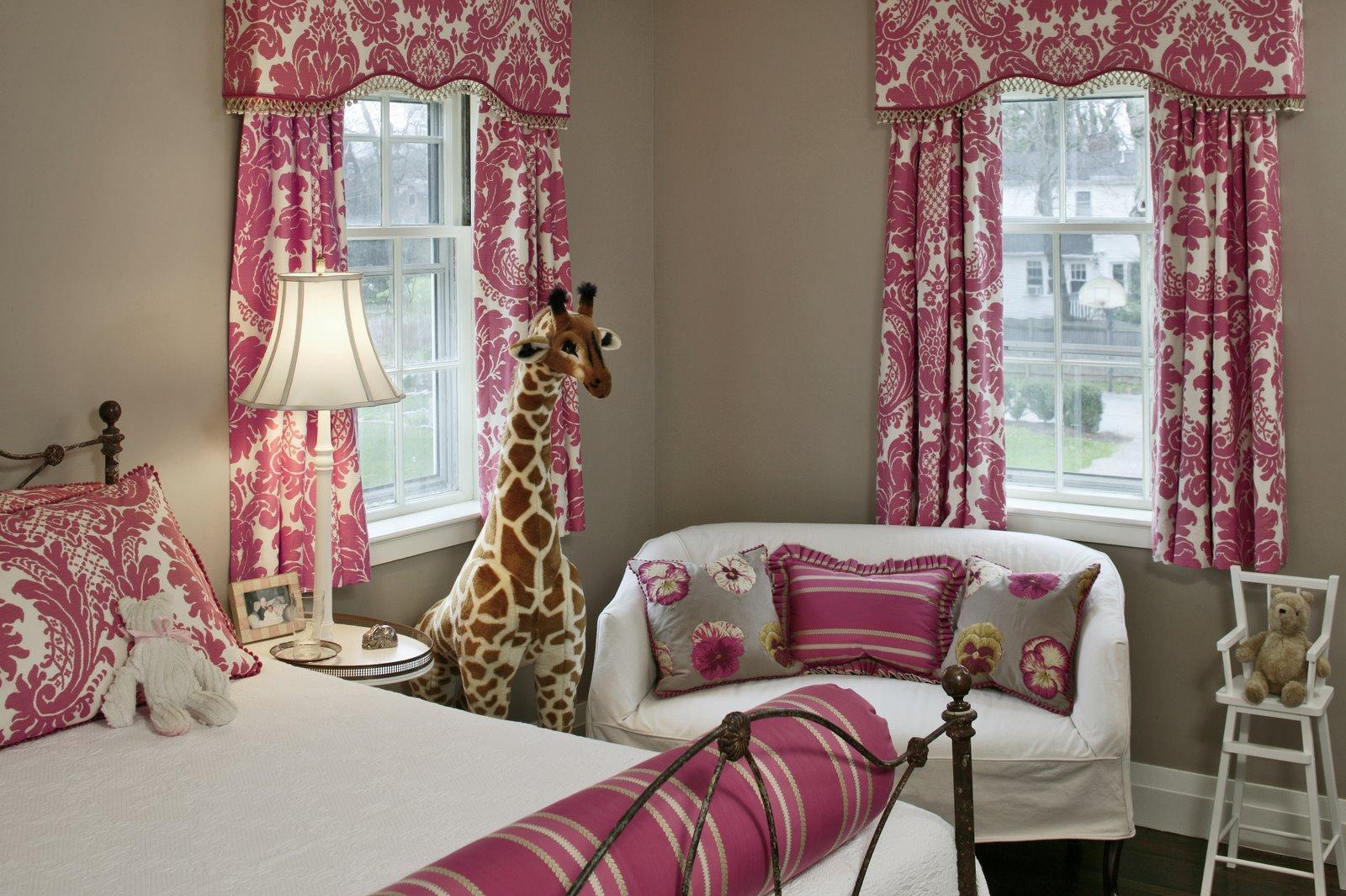 Raspberry Bedroom Cest Si Bon La Joie De Vivre 08 23 10