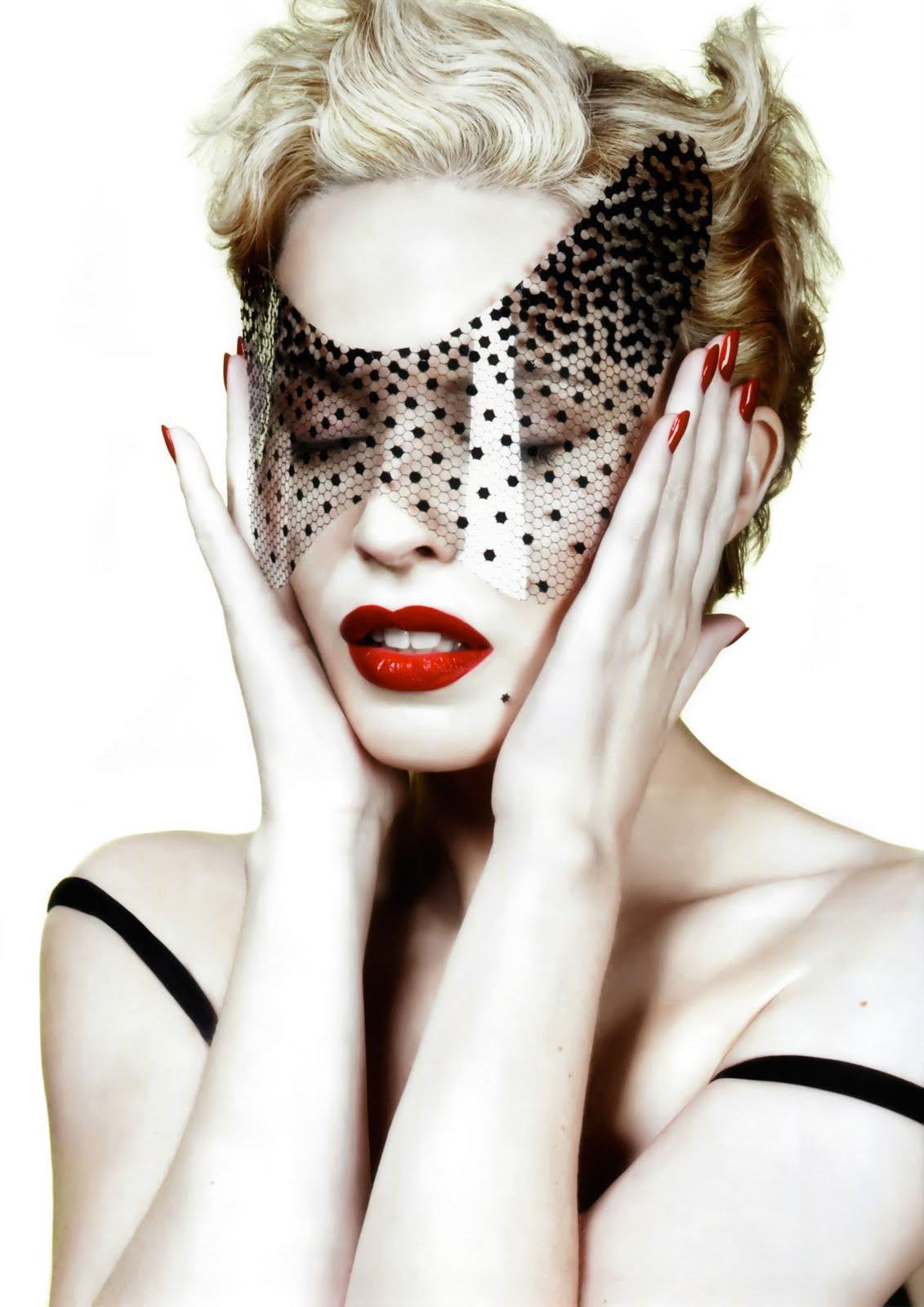 http://3.bp.blogspot.com/_kUQvtcubhiI/TDvmuGQFheI/AAAAAAAAAH4/KY71yl6FBuU/s1600/KylieMinogue-Xd.jpg
