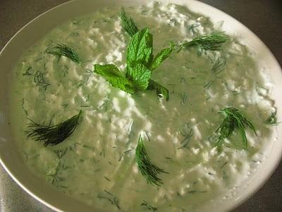 Otlu beyaz peynir salatası Beyaz_peynirli_haydari_