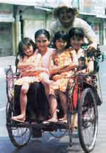 Emak: novia kolopaking, anneke lutfiah putri