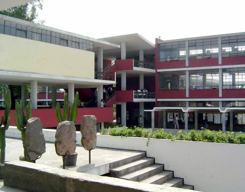 Amarengo homenaje a la secci n de arquitectos for Facultad de arquitectura uni