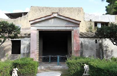 No 8, House of the Deer (Casa dei Cervi)