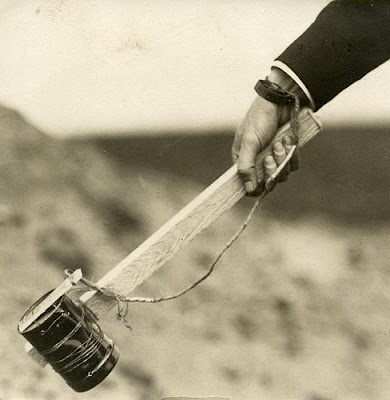 1916 Dutch army exercise (improvised hand grenade)