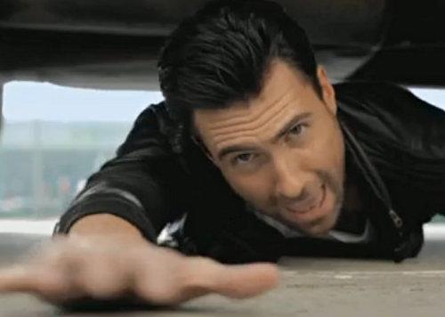 adam levine maroon 5. Adam Levine in Maroon 5#39;s