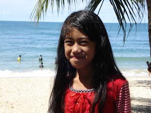 Kakak Manja Siti Nurain