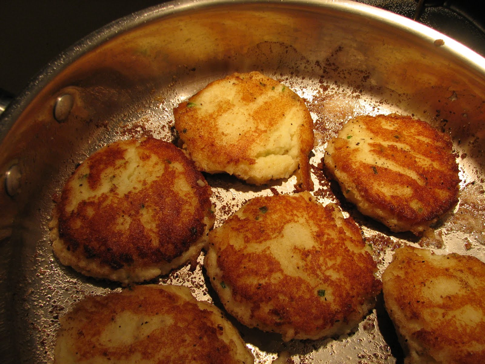 ... Mashed Potato Cakes (what to do with those leftover mashed potatoes