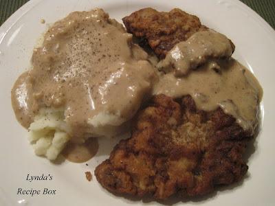 Lynda's Recipe Box: Chicken Fried Steak with Creamy Gravy