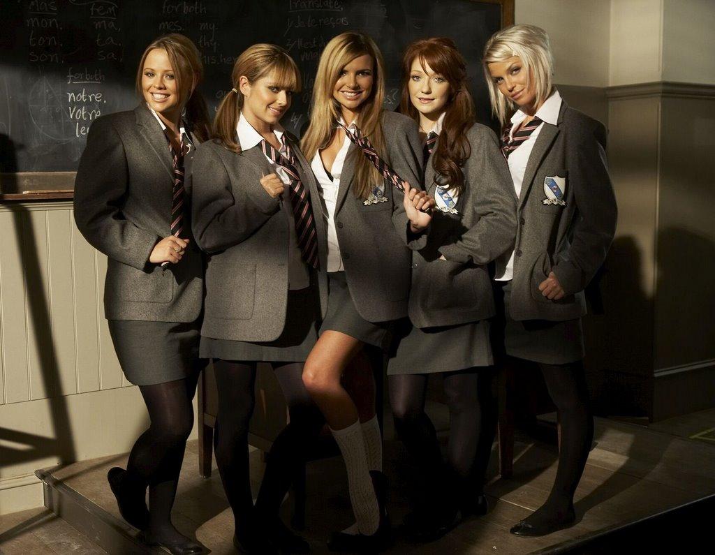 http://3.bp.blogspot.com/_kanxpX3cHU8/TIOCc0cWQ-I/AAAAAAAAAjs/yPCtBzXwQhk/s1600/girls_aloud_schoolgirl_3.jpg