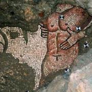 В Италии под католической церковью нашли языческую мозаику