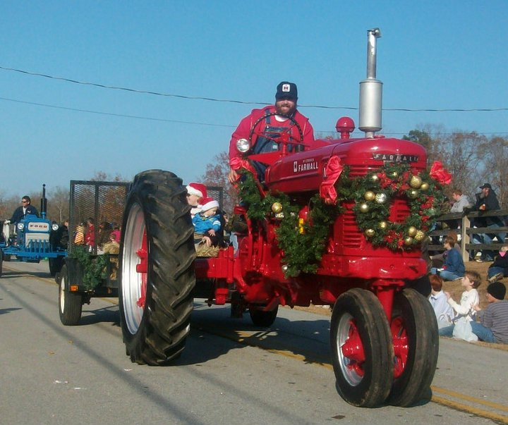 Tractor Parade Seat : Frugal tractor mom redneck christmas parade