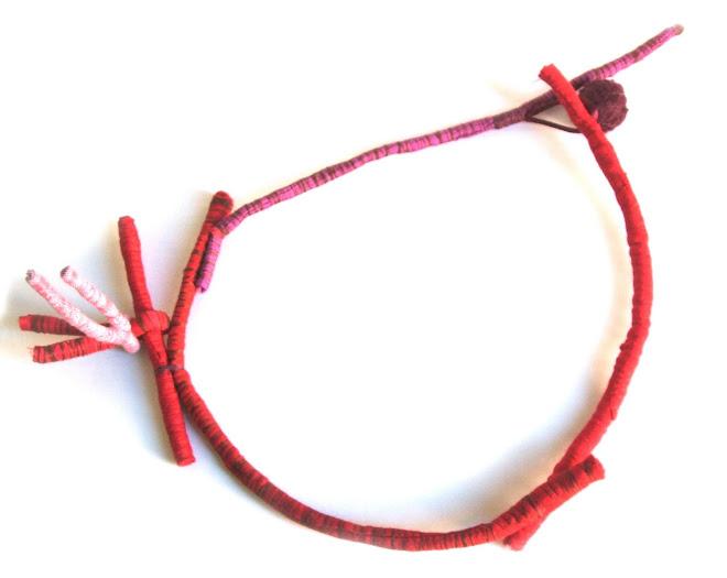 collar erizo rojo