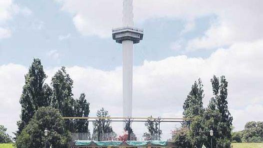 Quieren reabrir en 2011 la torre del Parque de la Ciudad