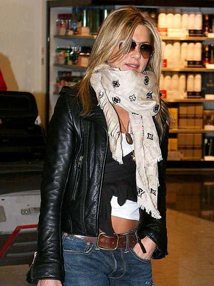 Jennifer Aniston always dresses very California girl casual.