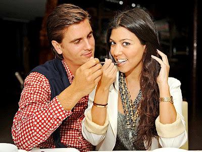 Kourtney Kardashian Was In Miami Trick Wearing A Gold Cartier Love Bracelet And Watch Having Snack With Her Boyfriend Scott Recently