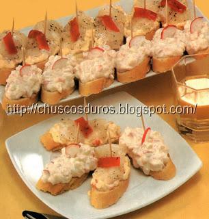 Chuscos duros montaditos de bacalao y cangrejo - Cocinar bacalao desalado ...
