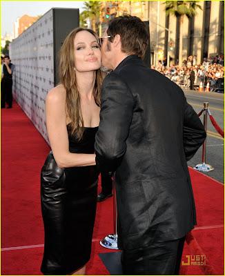 angelina jolie tomb raider premiere. Angelina Jolie vai a premiere