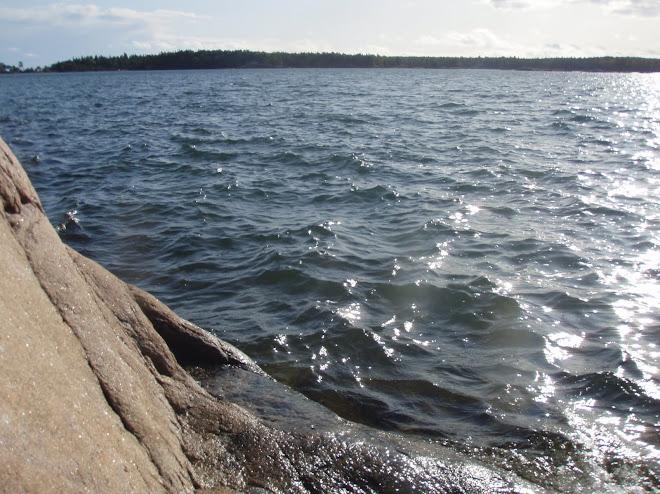 Vid Jogersö går det alltid att hitta ett ställe att öva balans...