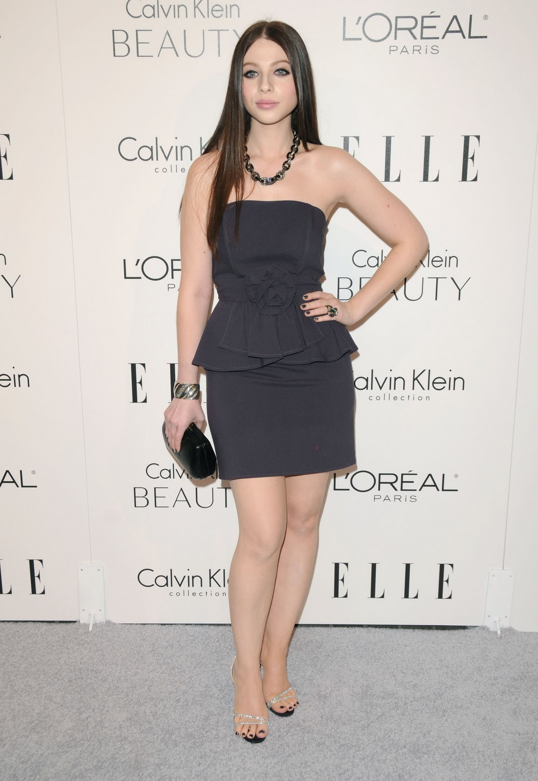 http://3.bp.blogspot.com/_kkFptMvDkUI/TTaqyBiT8-I/AAAAAAAADxM/PFGD9EXXWWk/s1600/Michelle-Trachtenberg-Feet-245037.jpg