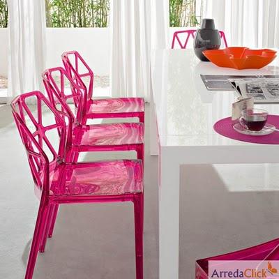 arredaclick mobilier italien chaises transparentes en plastique l g ret r sistance et beaut. Black Bedroom Furniture Sets. Home Design Ideas