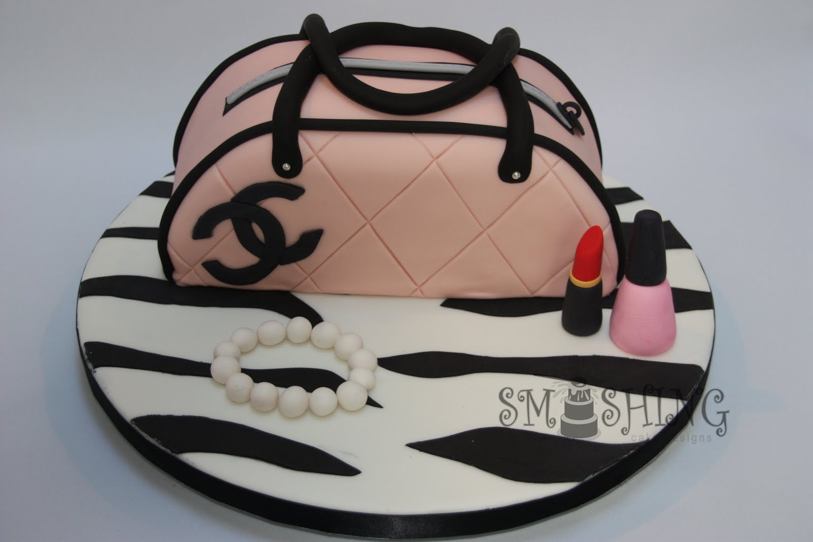 Smashing Cake Designs: For all you fashion ladies out there