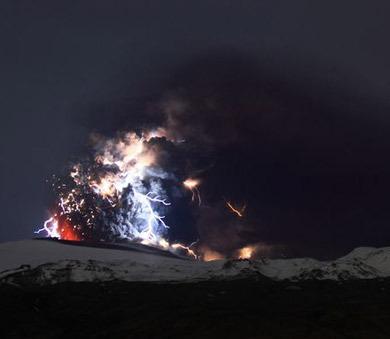 iceland volcano lightning. The Iceland volcano#39;s
