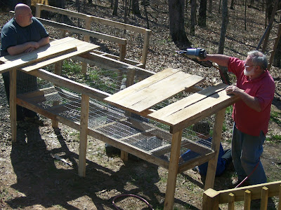 Pin bunny hutch on pinterest for How to make a rabbit hutch from scratch