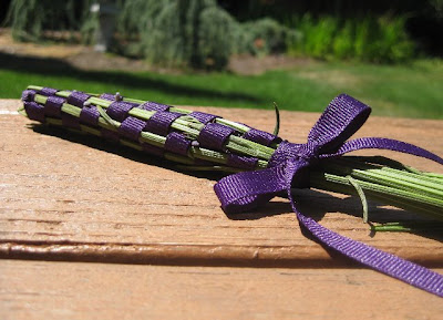 how to make lavender ribbon wands