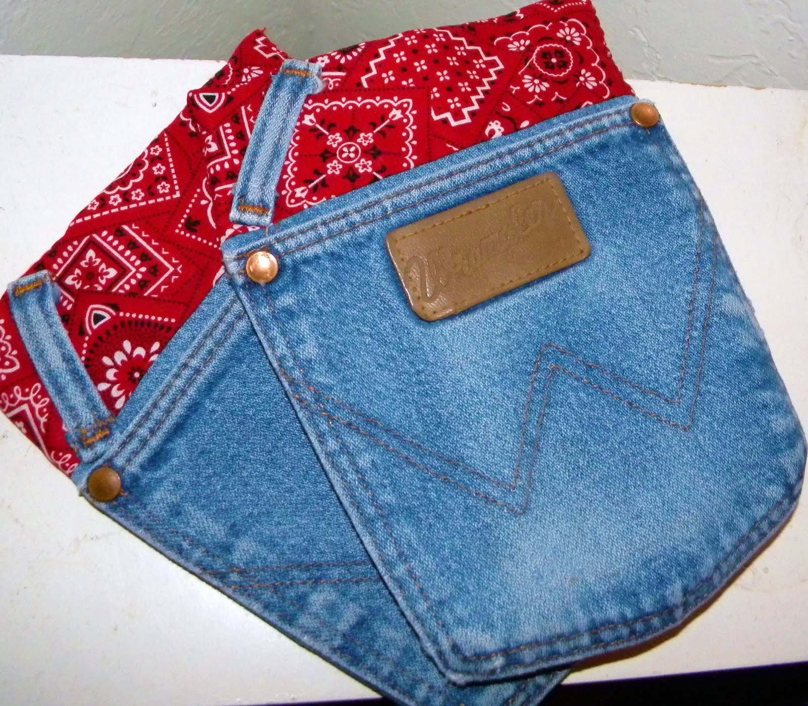 Simply soares jean pocket pot holder tutorial super cute super easy jean pocket pot holders solutioingenieria Image collections