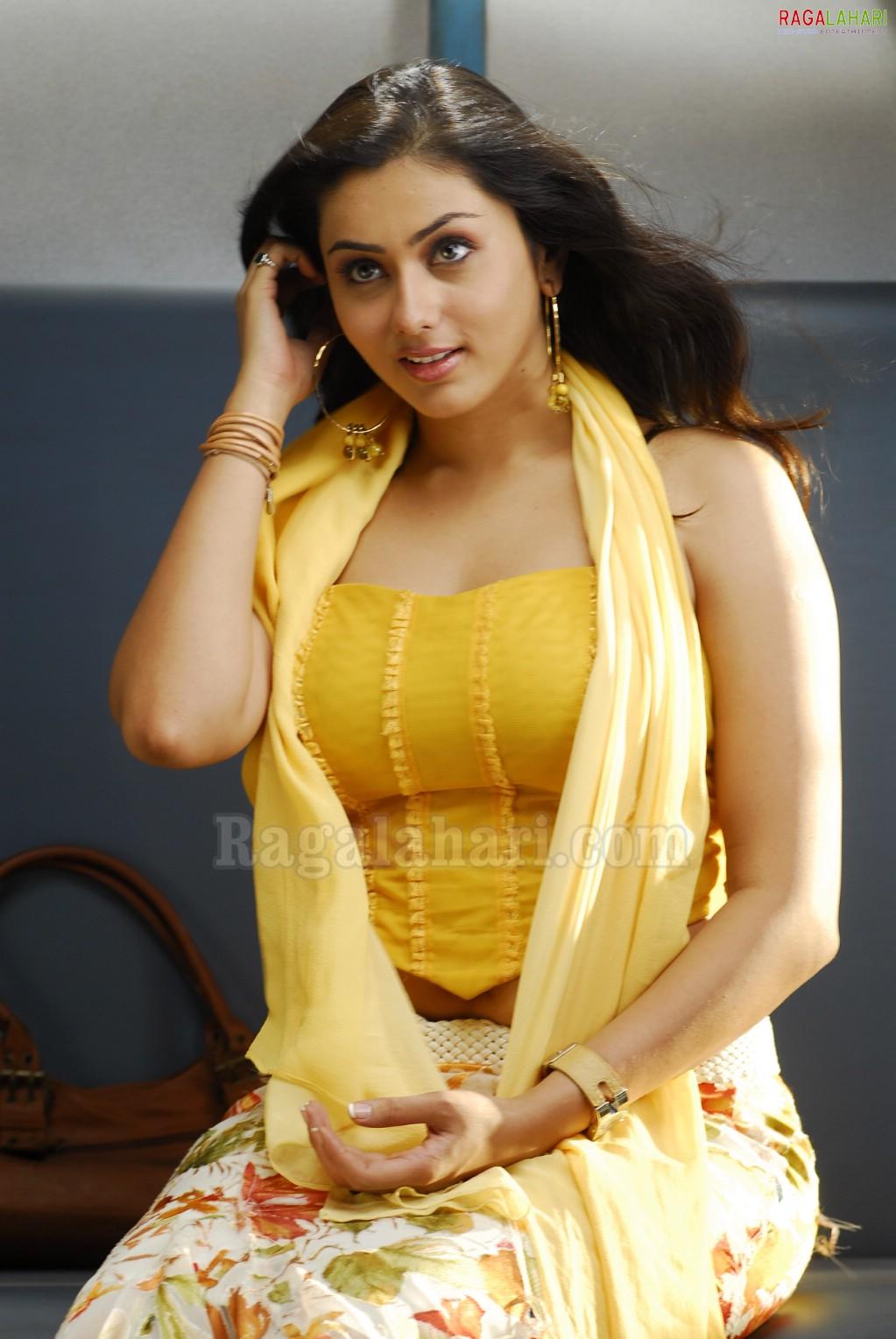 Actress Namitha New Sey Picture Stills