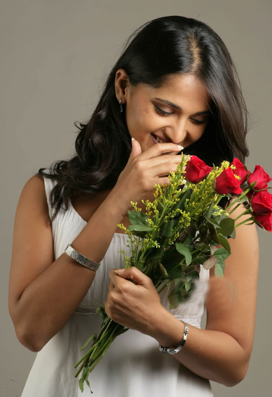 Sexy Anushka Latest Sexy Wallpapers Photoshoot images