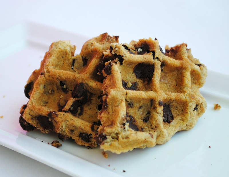 Leanne bakes: Oatmeal Chocolate Chip Waffle Cookies