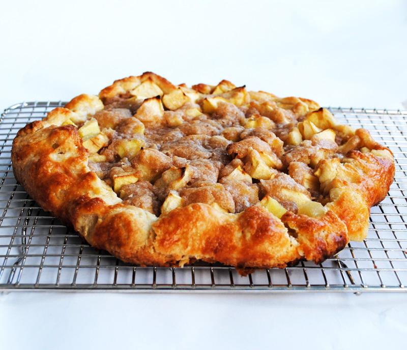 Leanne bakes: Apple Crostata for Thanksgiving Dinner