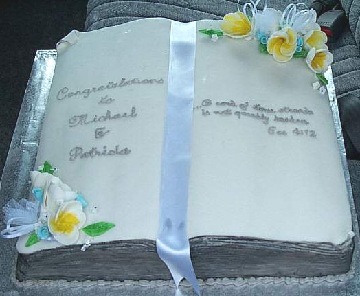 Book Shaped Cake Images : The Secret Garden: book-shaped cake ideas for children and ...