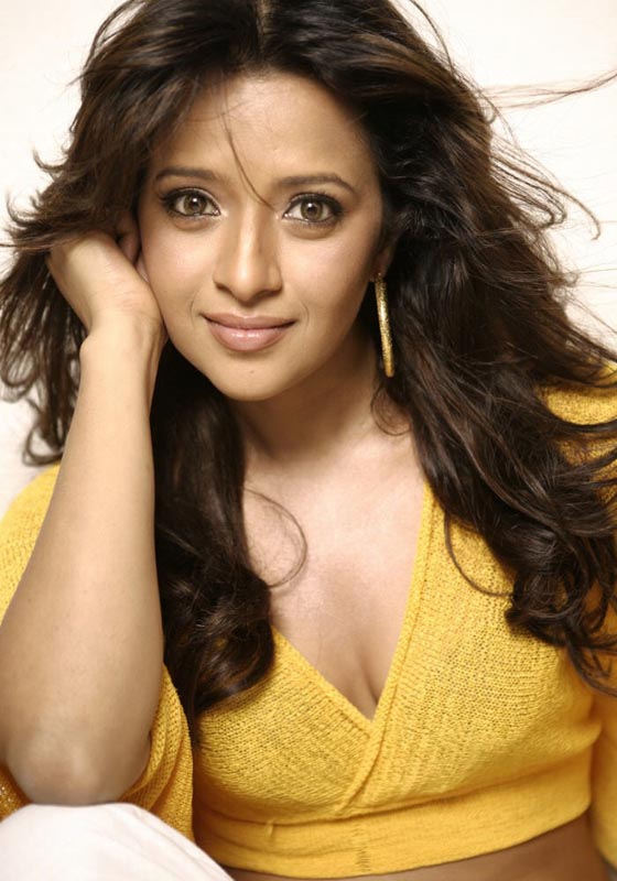 Reema Sen Sizzling Hot Photo shoot