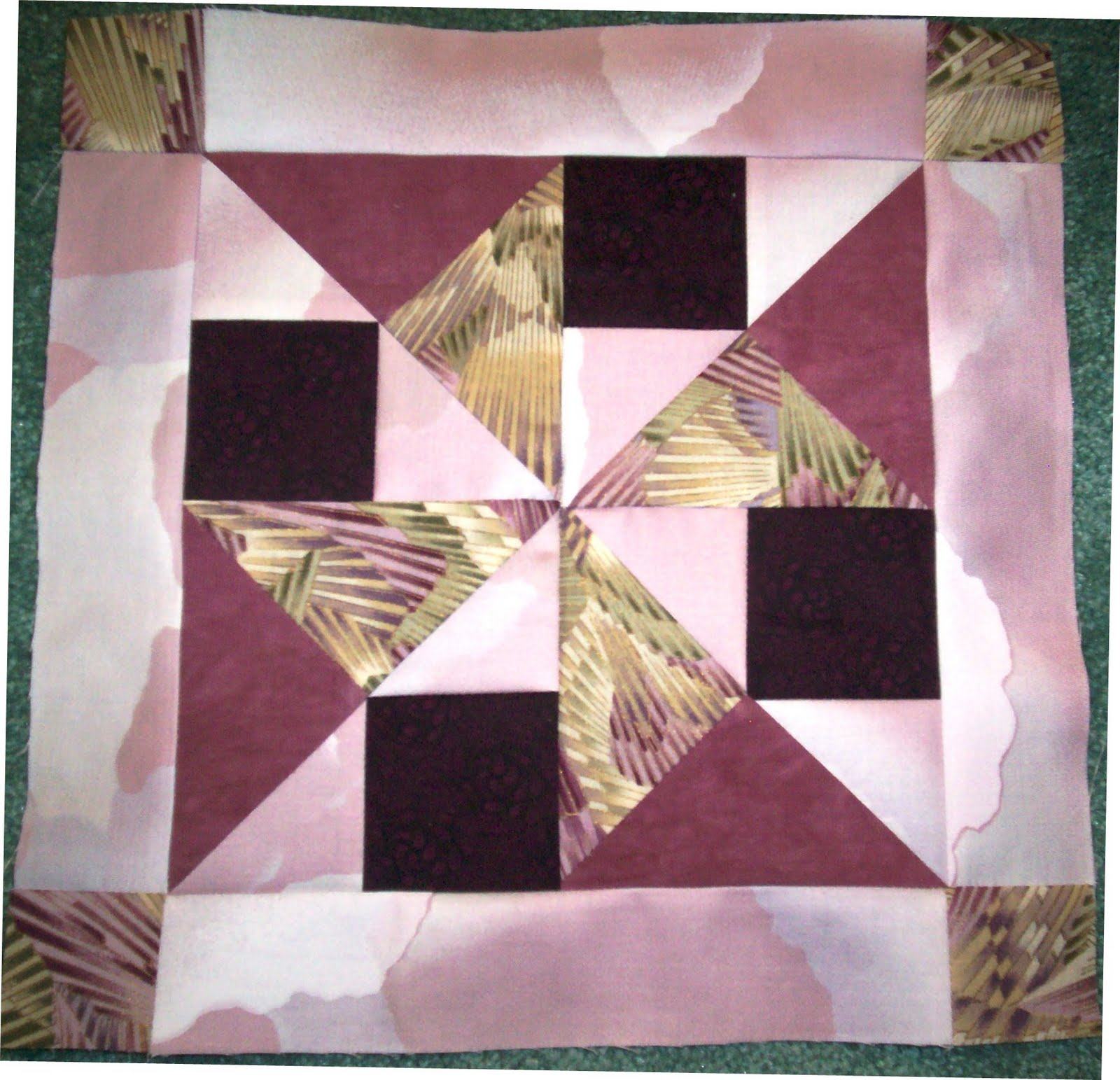 Psycho Quilter: Layer Cake quilt along block 7