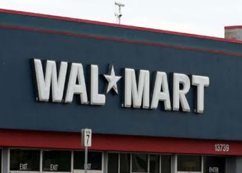 is walmart good or bad Wal-mart sells excellent named brand cosmetics that most stores resell and try to earn a good penny or two they also have an excellent vision care in the store while this is one advantages, wal-mart offers other advantages as well.