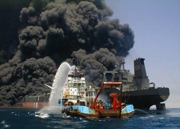 [world's+Biggest+Sea+Accidents+(9).jpg]