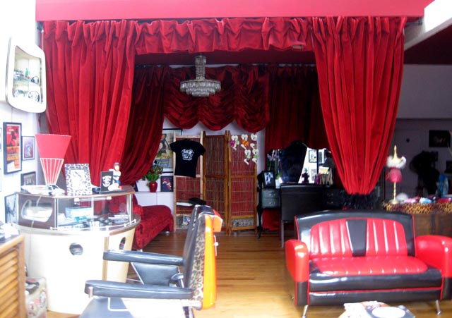 Le blog du salon de coiffure salon vintage londre for Salon de coiffure pres de chez moi