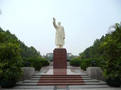 mao Ze Dong Statue Shijiazhuang