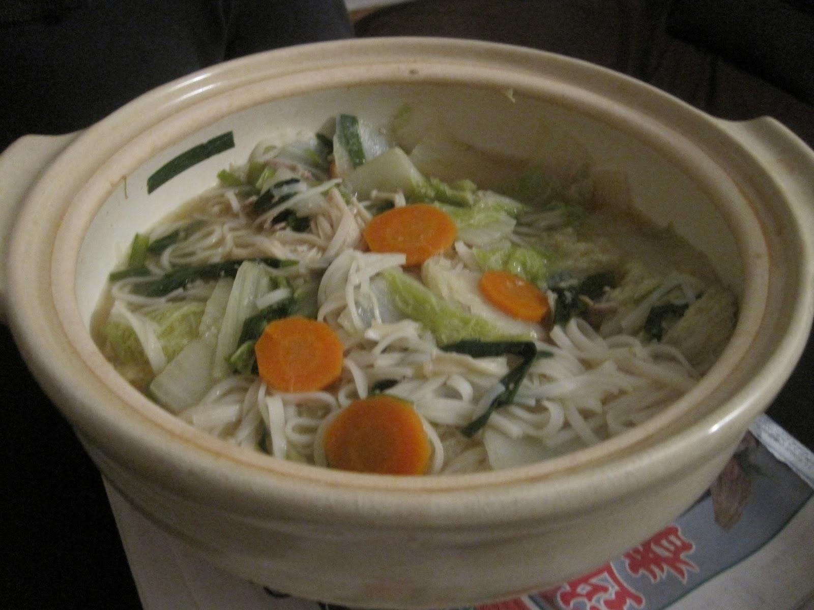 Yoko no gohan nabe ryouri hot pot dishes for Japanese eating table