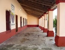 """Edificio de la primera escuela pública donada por don Teófilo Ernult, hoy """"Casa del Pueblo"""""""