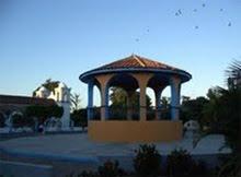 Amanecer en el parque central de Zanatepec