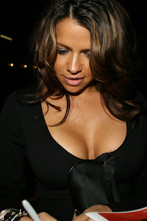Vida Guerra Big Cleavage