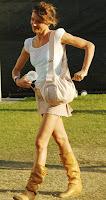 Cameron Diaz Shows Off Her Legs