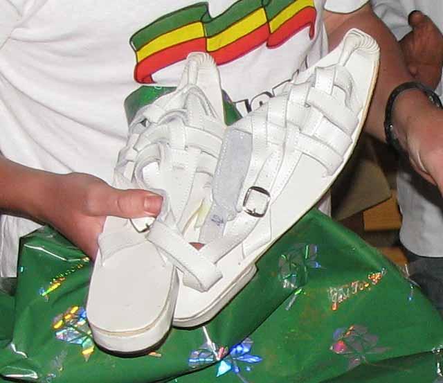 [Lshoes.jpg]