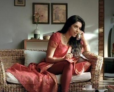asin-aasin-bollywood-hindi-indian-desi-actress-tv-tata-ad-vid-cap