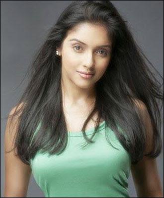 bollywood-ghajini-fame-heroine-asin-aasin-thottumkal