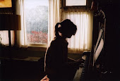 Piano. (L)