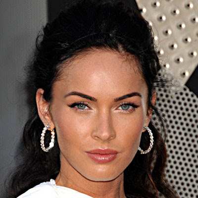 megan fox without makeup. her classic makeup look.
