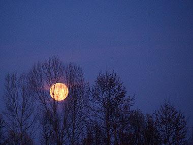Questa luna è per Pietro. Foto di Andrea Mangoni.